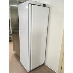 Freezer DF400 MAR bianco con capacità 400 l.